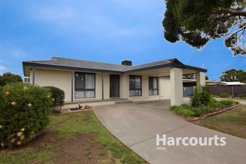 4 Bedroom Home with a spot for the van! - 537m2