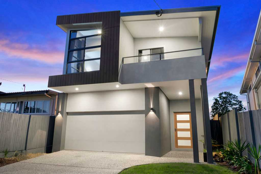 Enormous New Family Home in Elevated Position