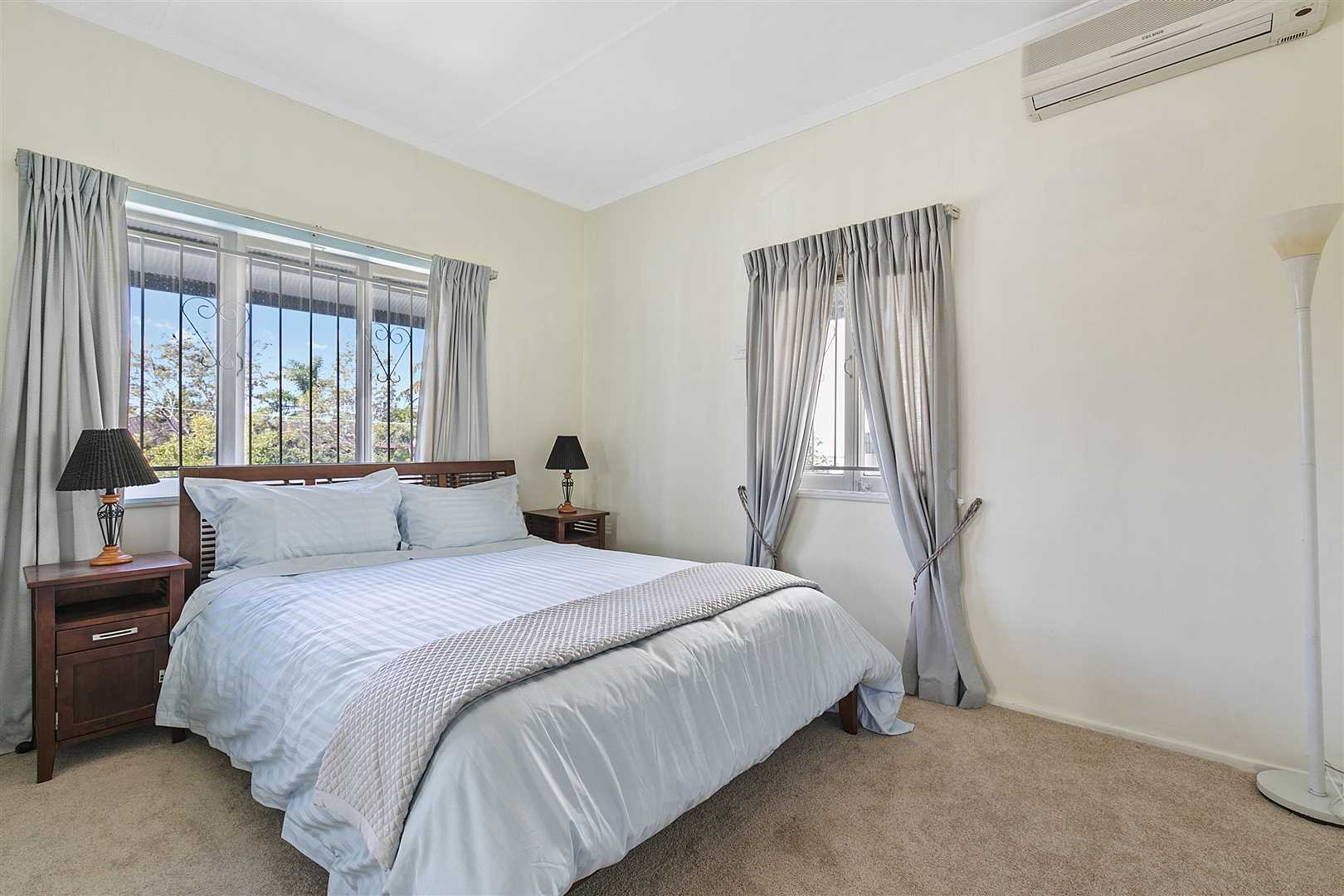 Bedroom 1 - air-con, builtin robes