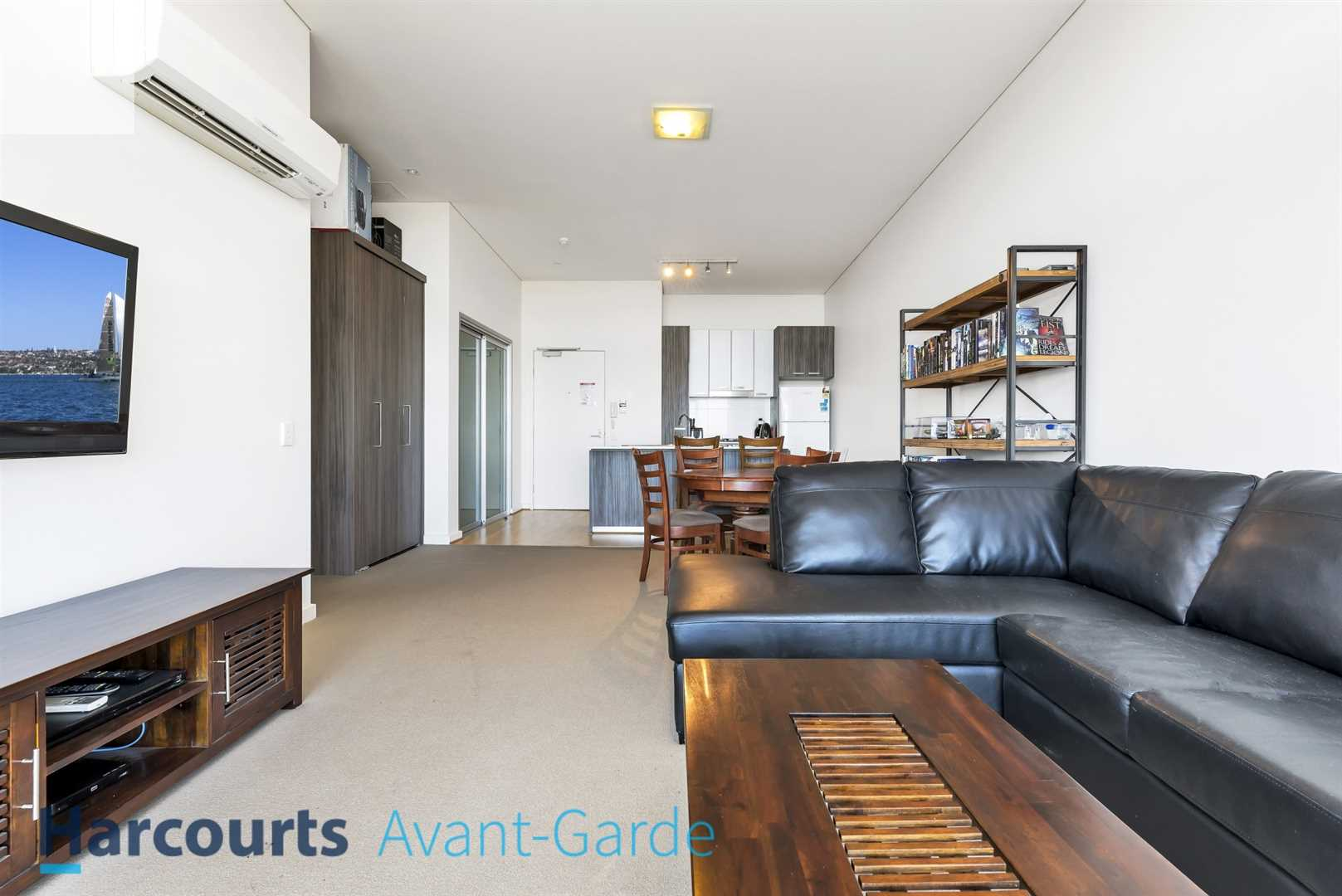 Modern Apartment -  With Uninterrupted Panoramic Views!