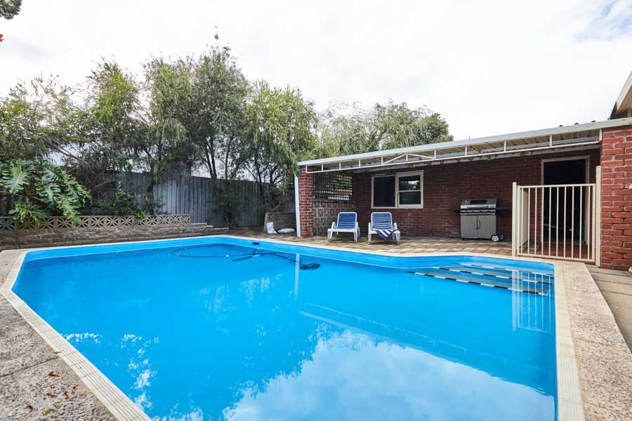 865sqm, Corner Block and a Pool - check this out.....