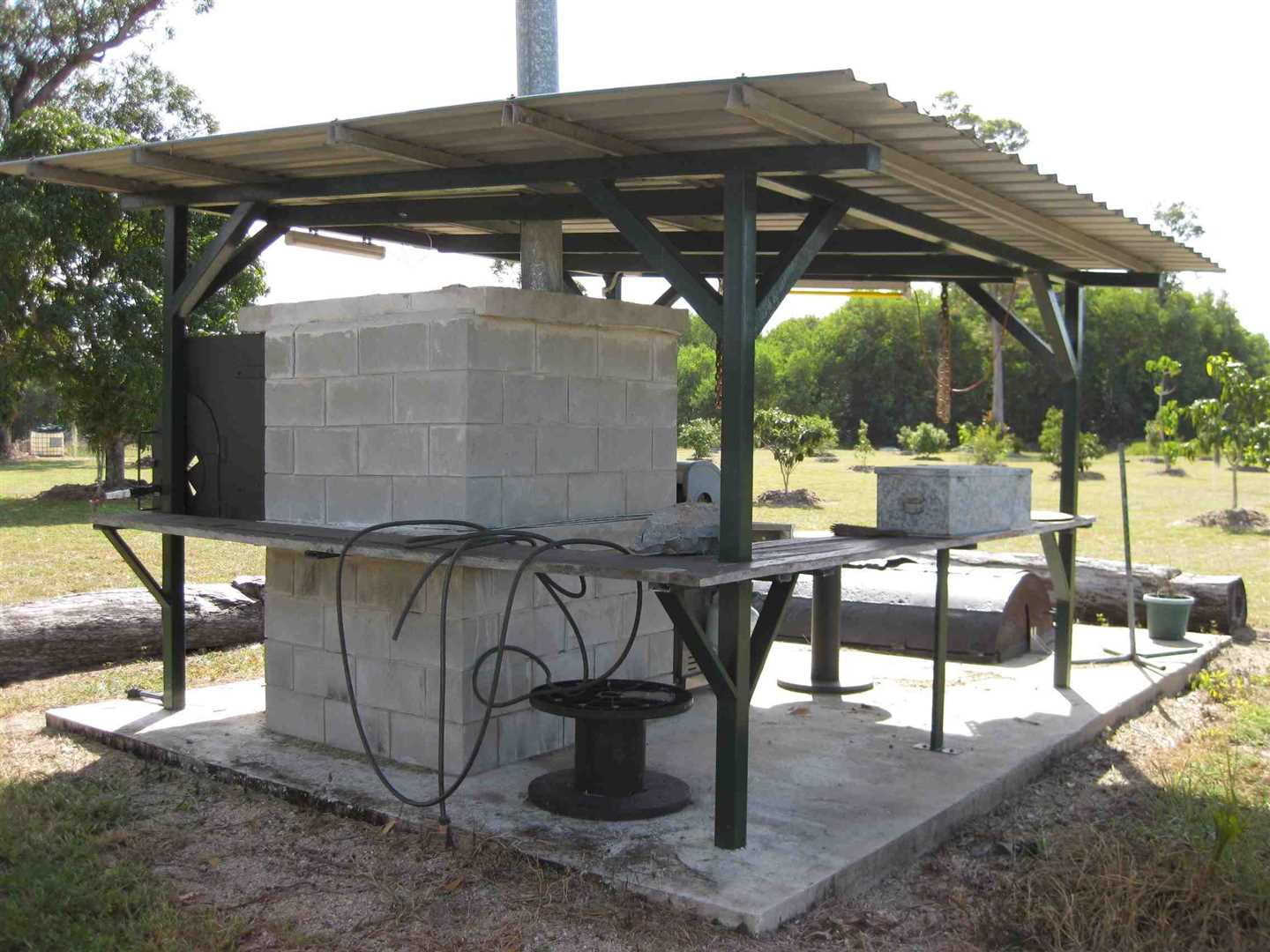 View of part of BBQ area, photo 1