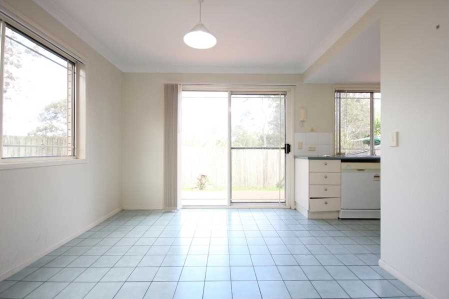 Spacious Townhouse in prime location!