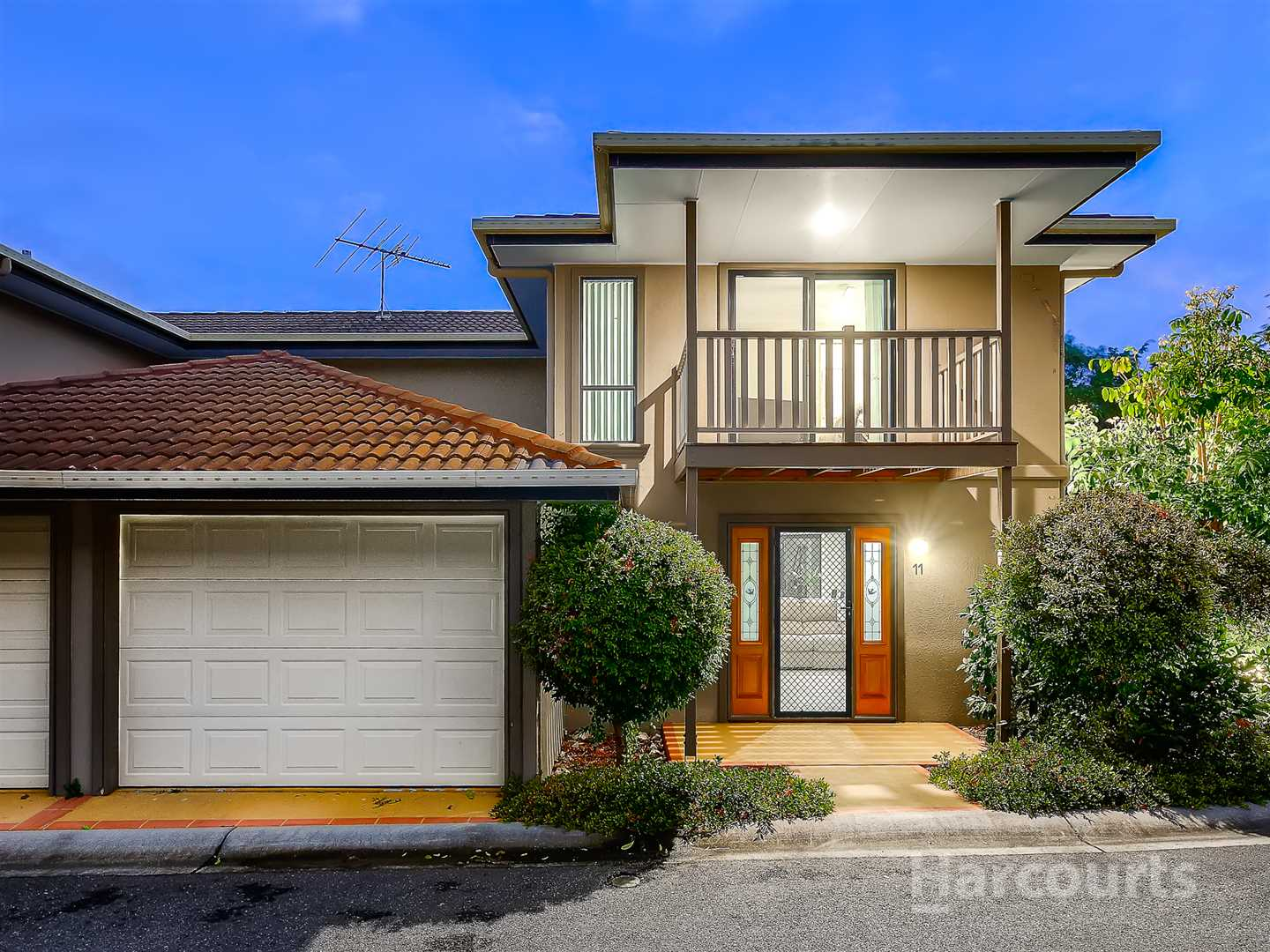 Spacious Modern Townhouse in Ideal Location