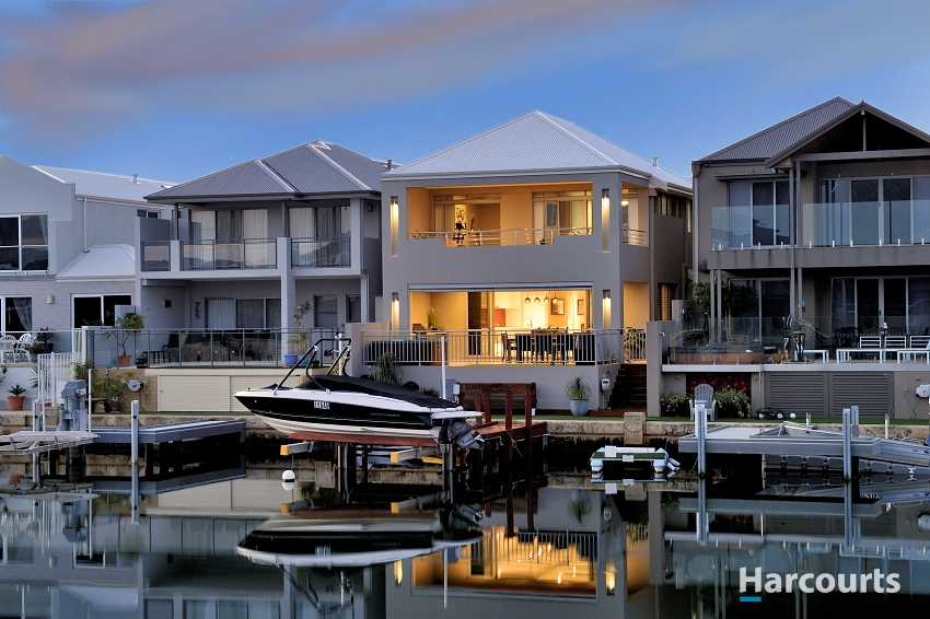 Stunning Luxurious Canal Residence