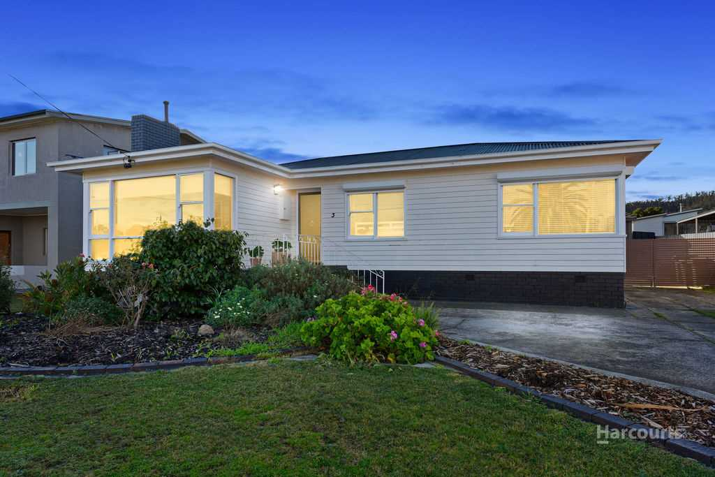 Classic weatherboard in a premium location