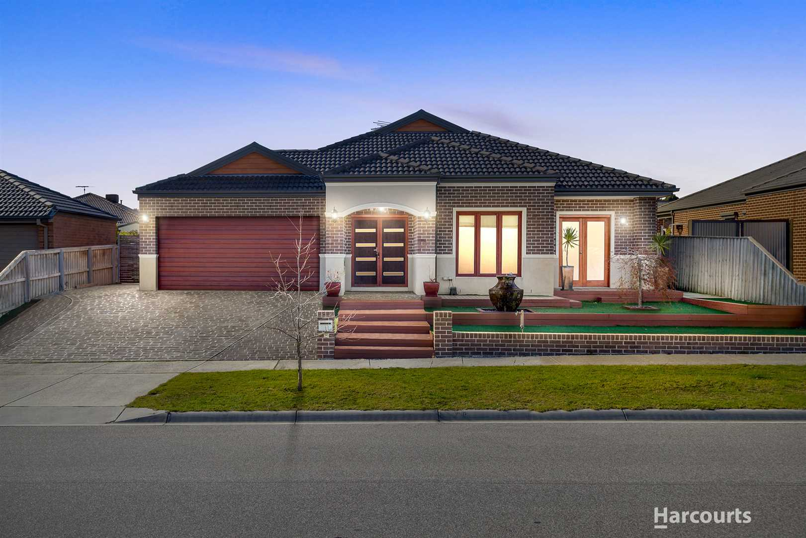 5 Bed + Study Family Home In Heritage Springs