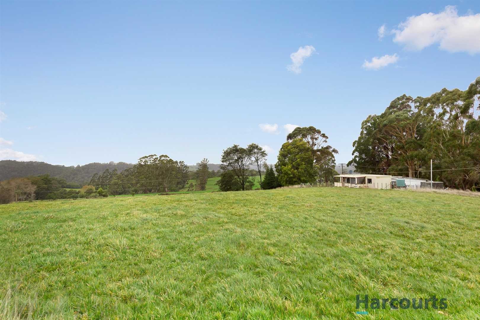 5 Acres close to Town!