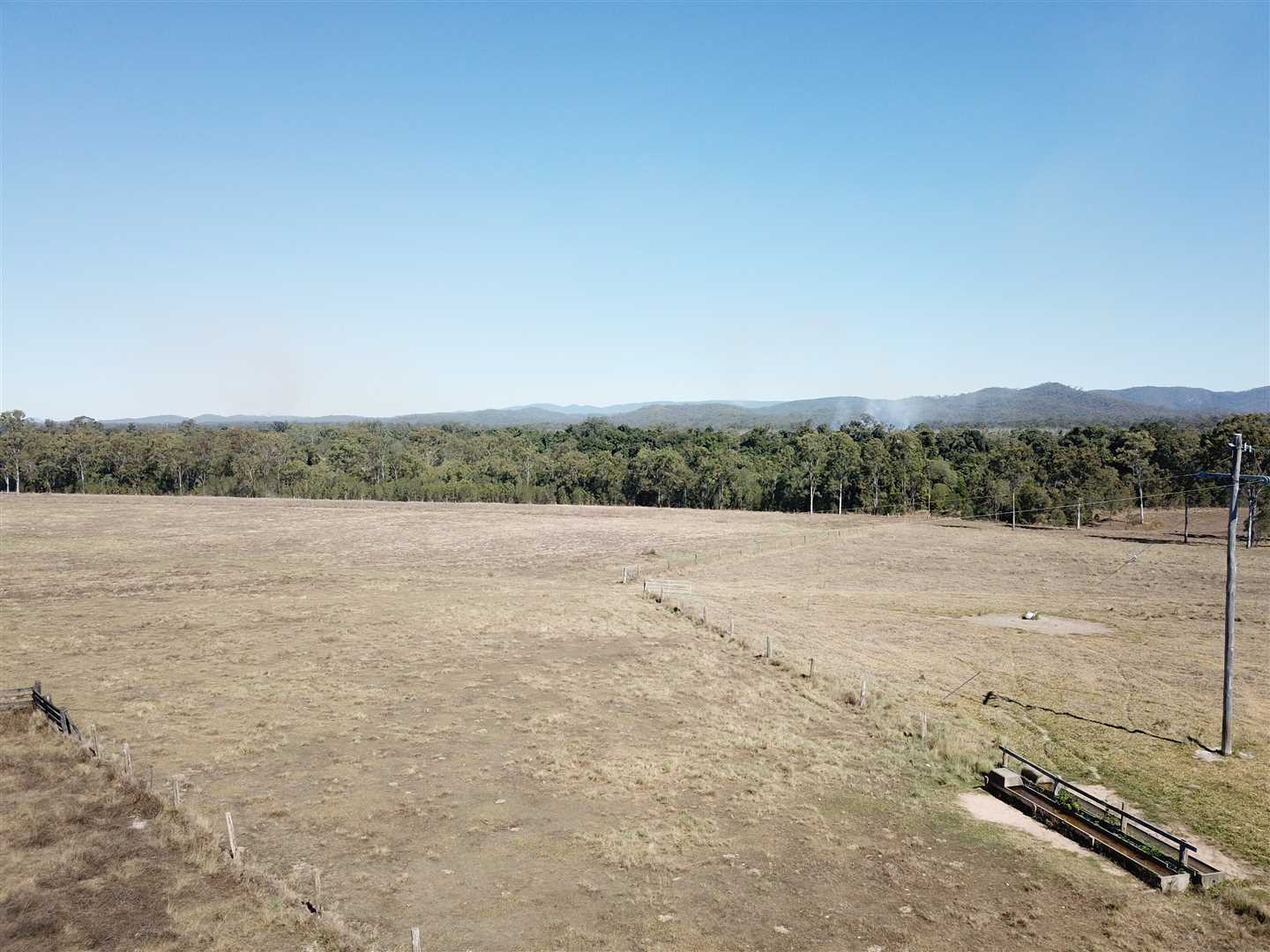 8/8/18 Centre Paddock and Western Paddock.Power underground down fence to submersible in Creek pumping to house and troughs # 1200 GPH