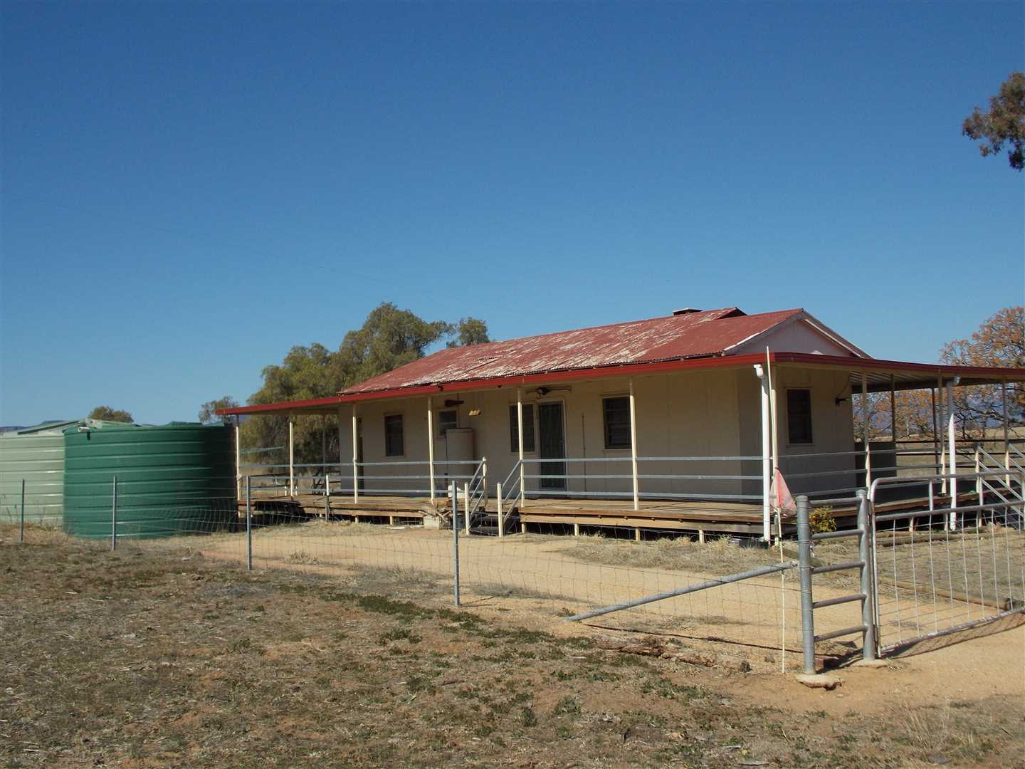 Simple living in the Capertee Valley