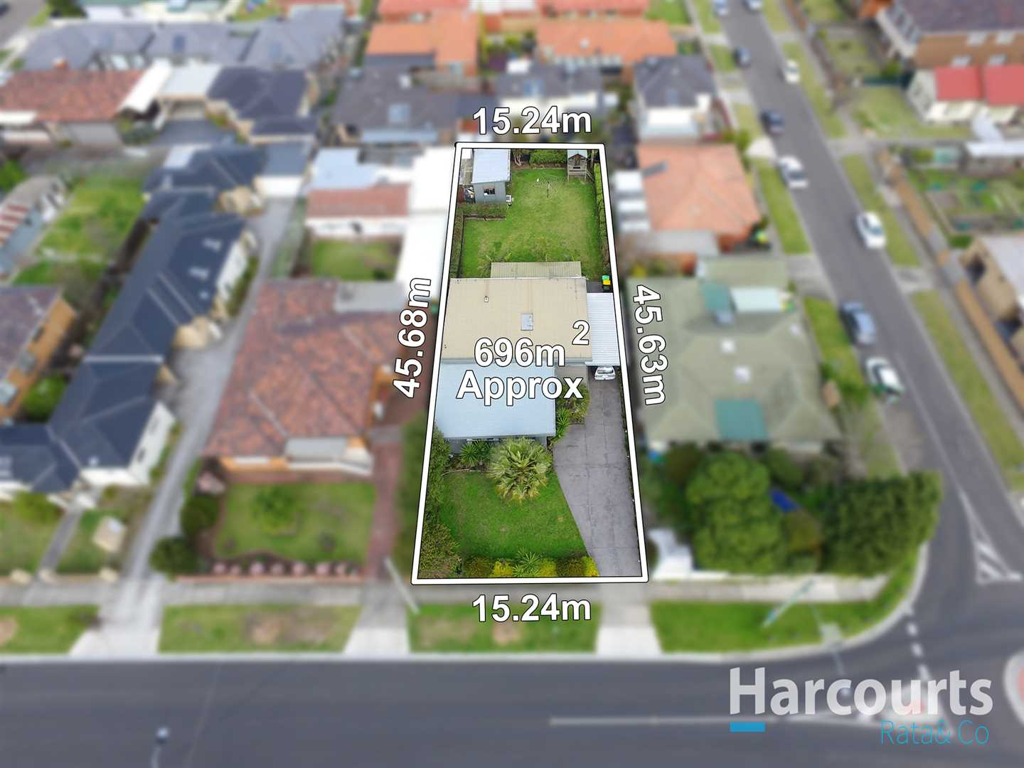 Prime Location On A Huge 696m2 approx Block