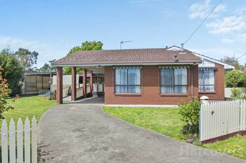 Family Home In Quiet Court on 1000m2 Block
