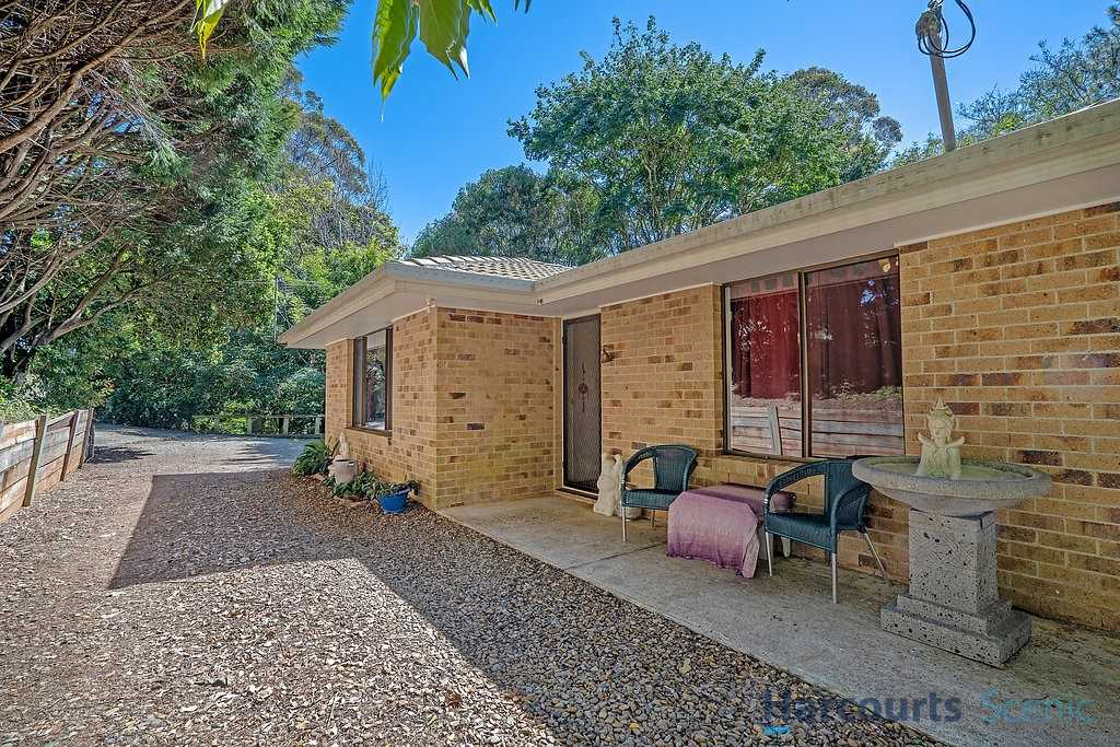 Great Opportunity -3 Bedroom Brick Home 350mtrs to Cafes!