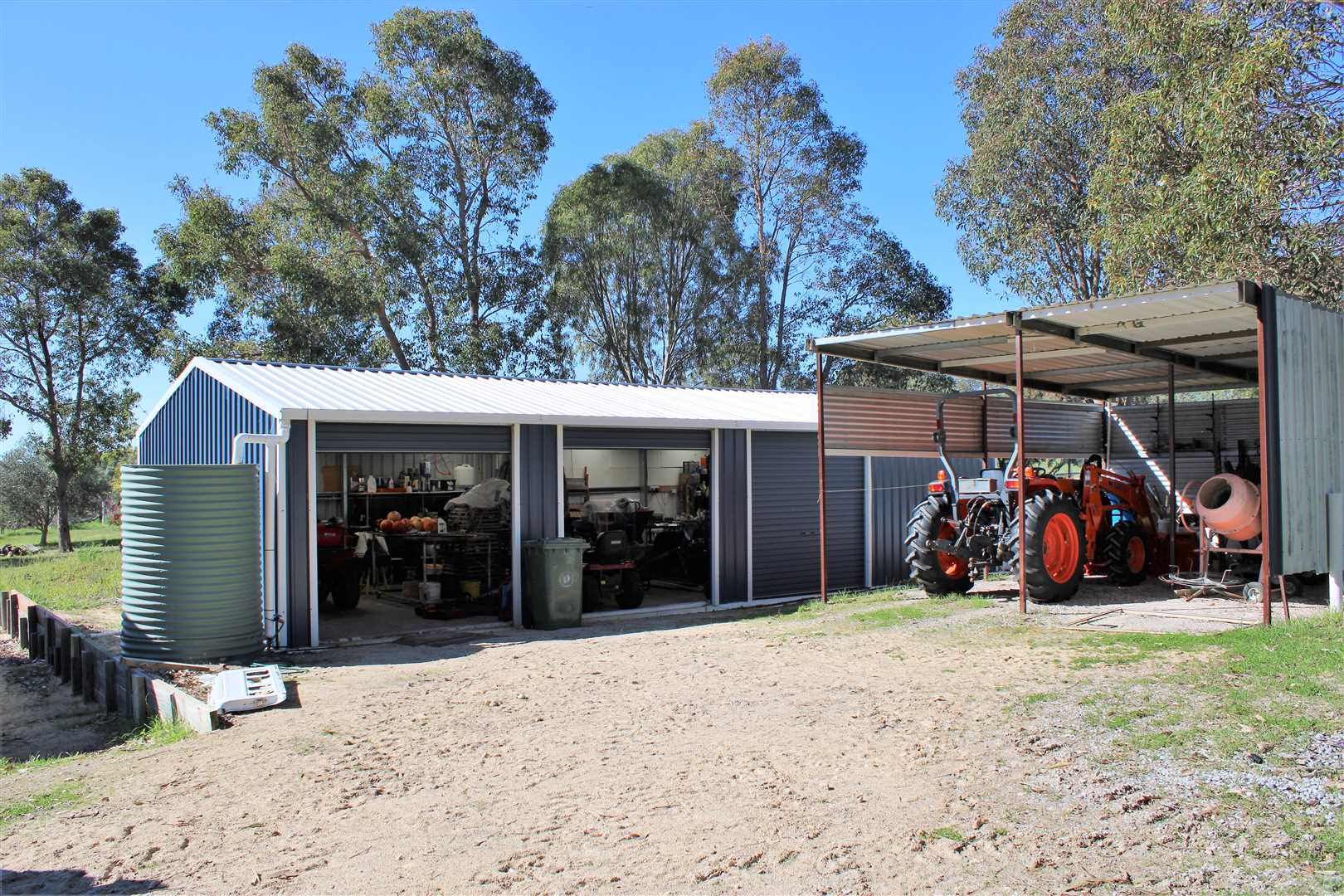 Enclosed shed 12m x 6m. Room to house three cars or farming implements with extra room under the lean-to.
