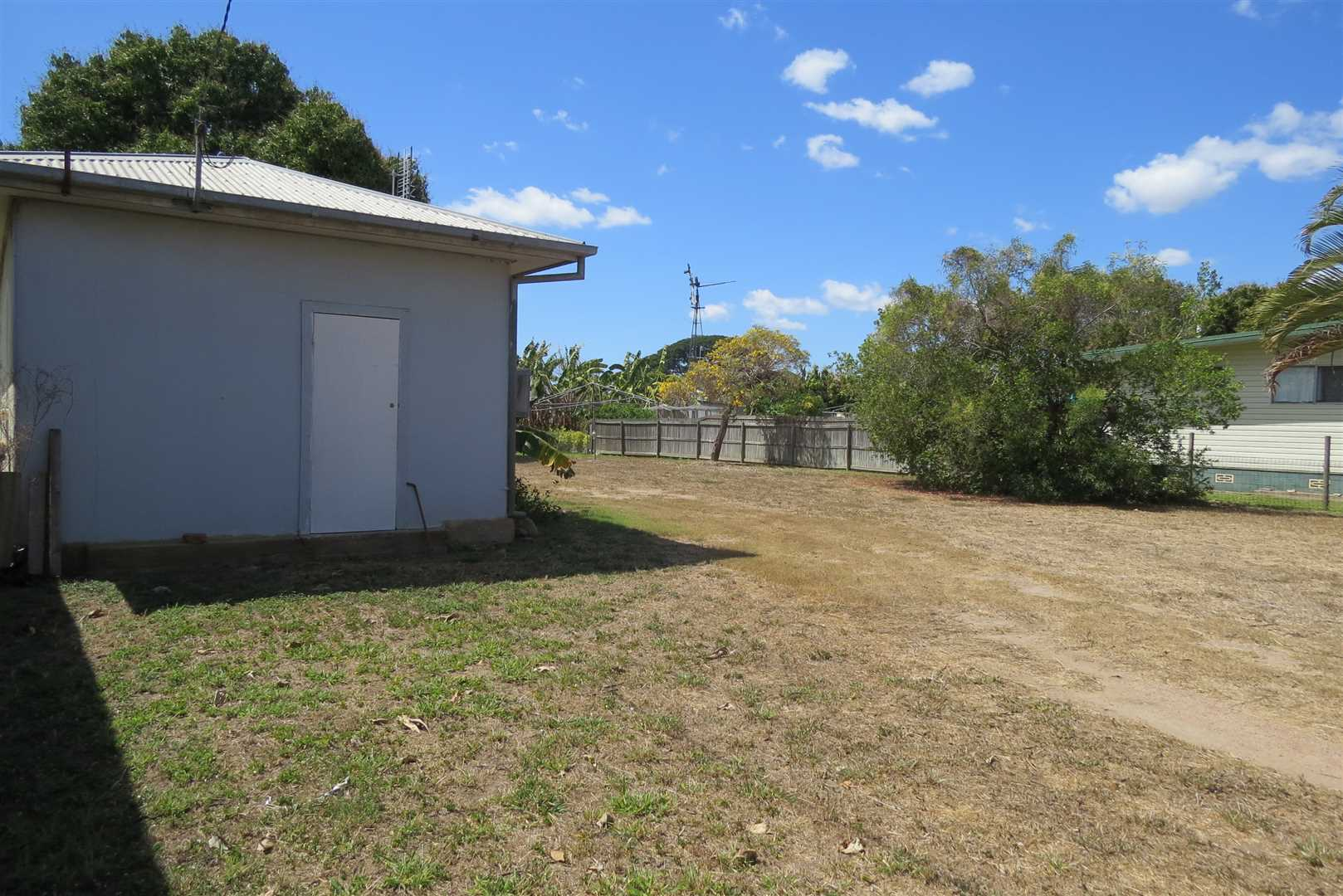 Budget 1 Bedroom Home Hill Property - Rent Reduced!