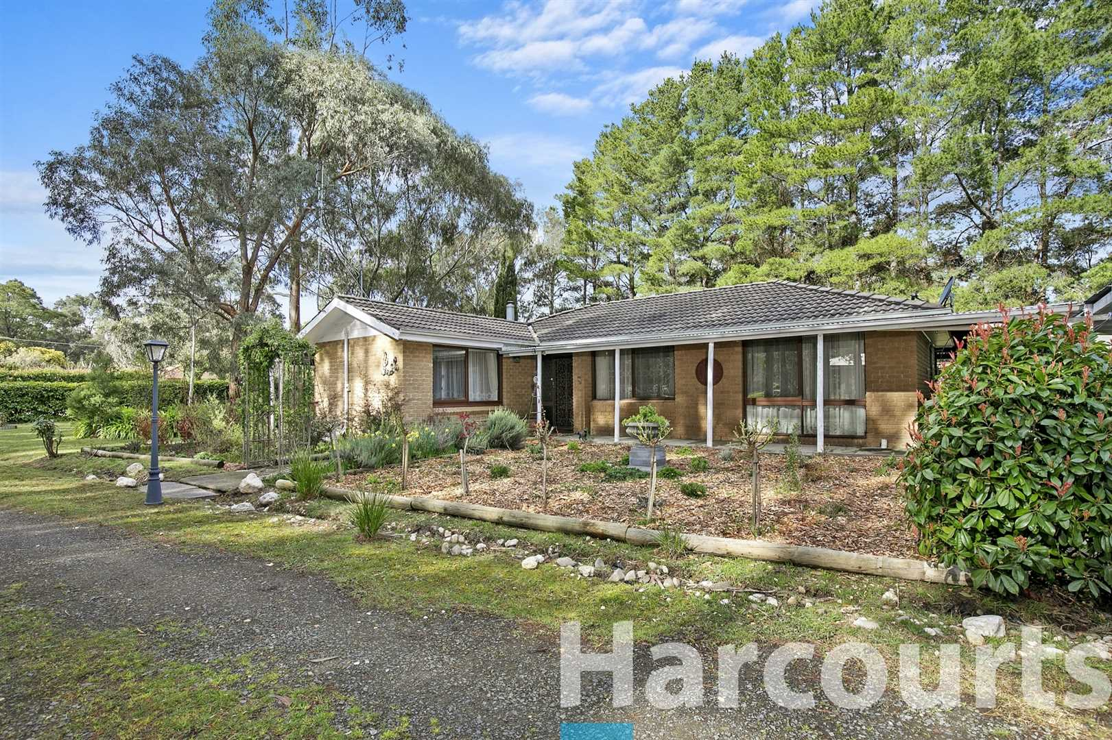 Brick Veneer Home With Fantastic Shedding & Gardens on 2.5ac