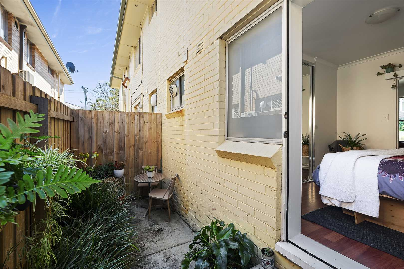 Cute Courtyard, Nice Renovation & In The Right Location...