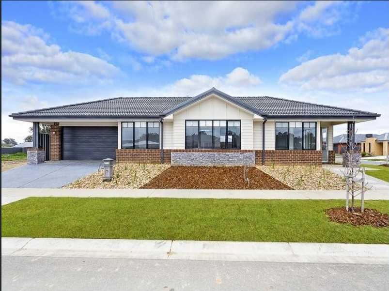Near new home in very popular Riverside Estate