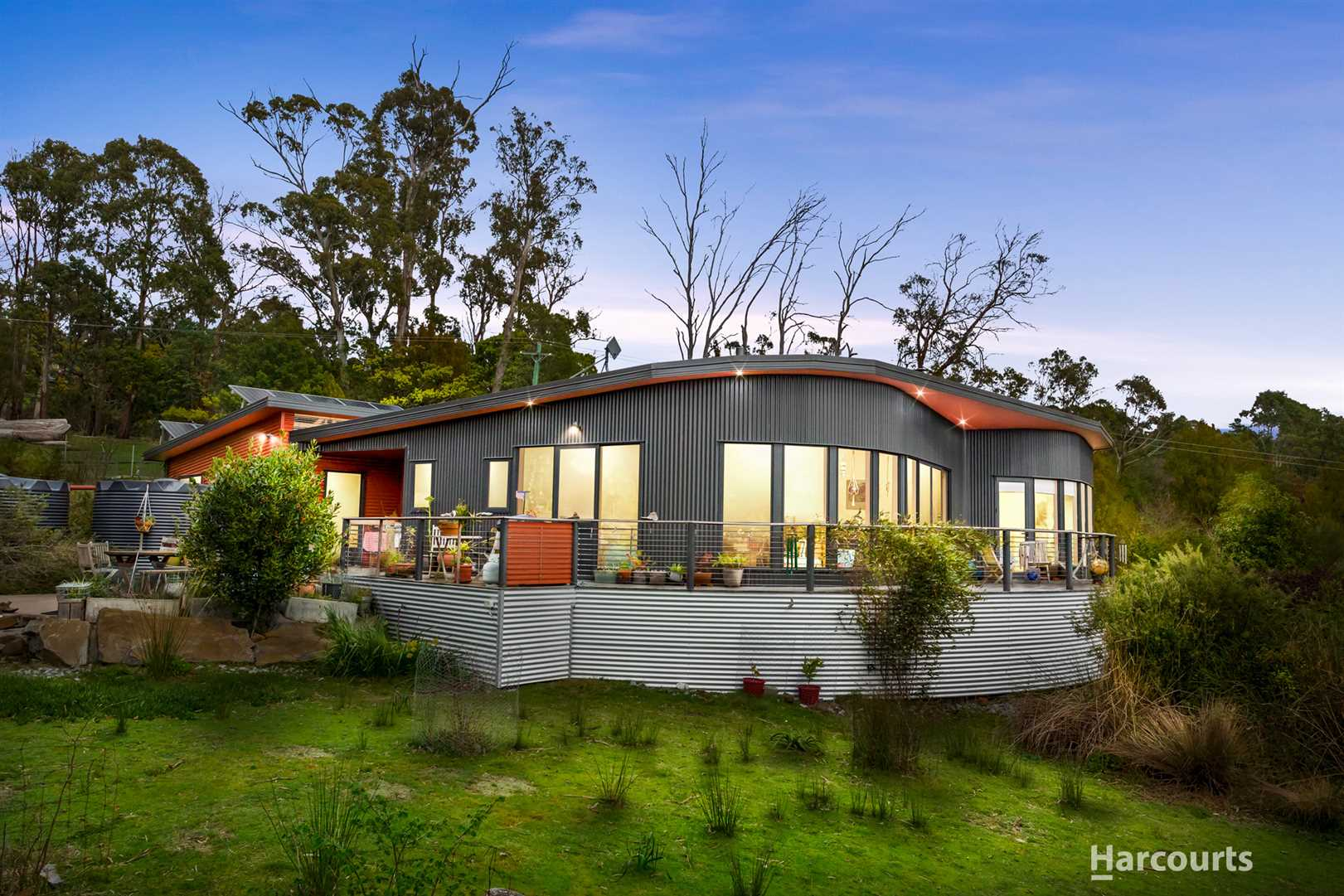Sustainable Lifestyle Property Overlooking Tamar River