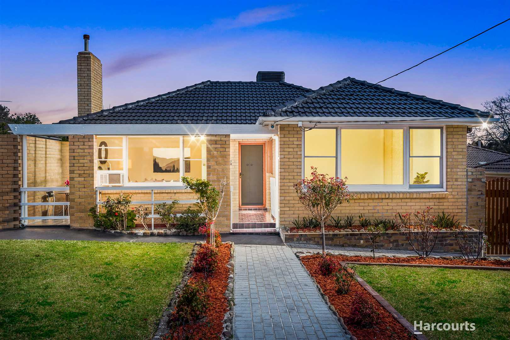 Lifestyle Charm in Mount View Primary Zone