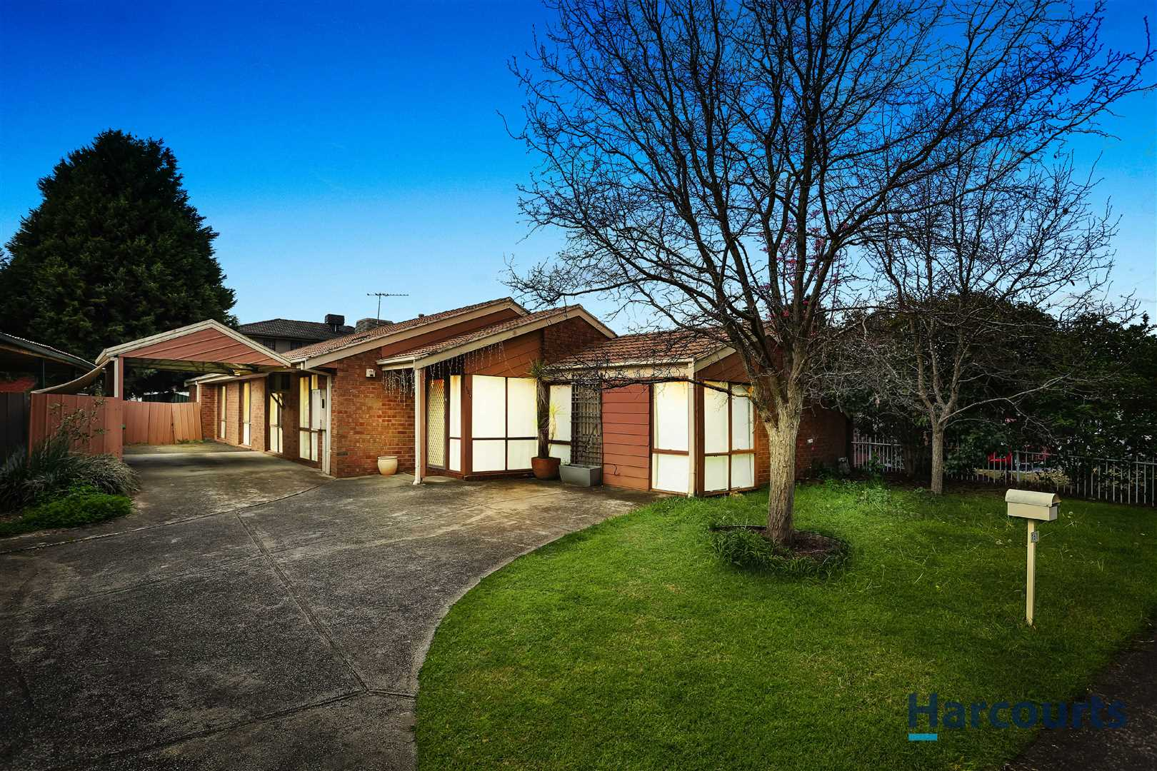Solid Home in Centre Mill Park, Perfect for Live In or Rent
