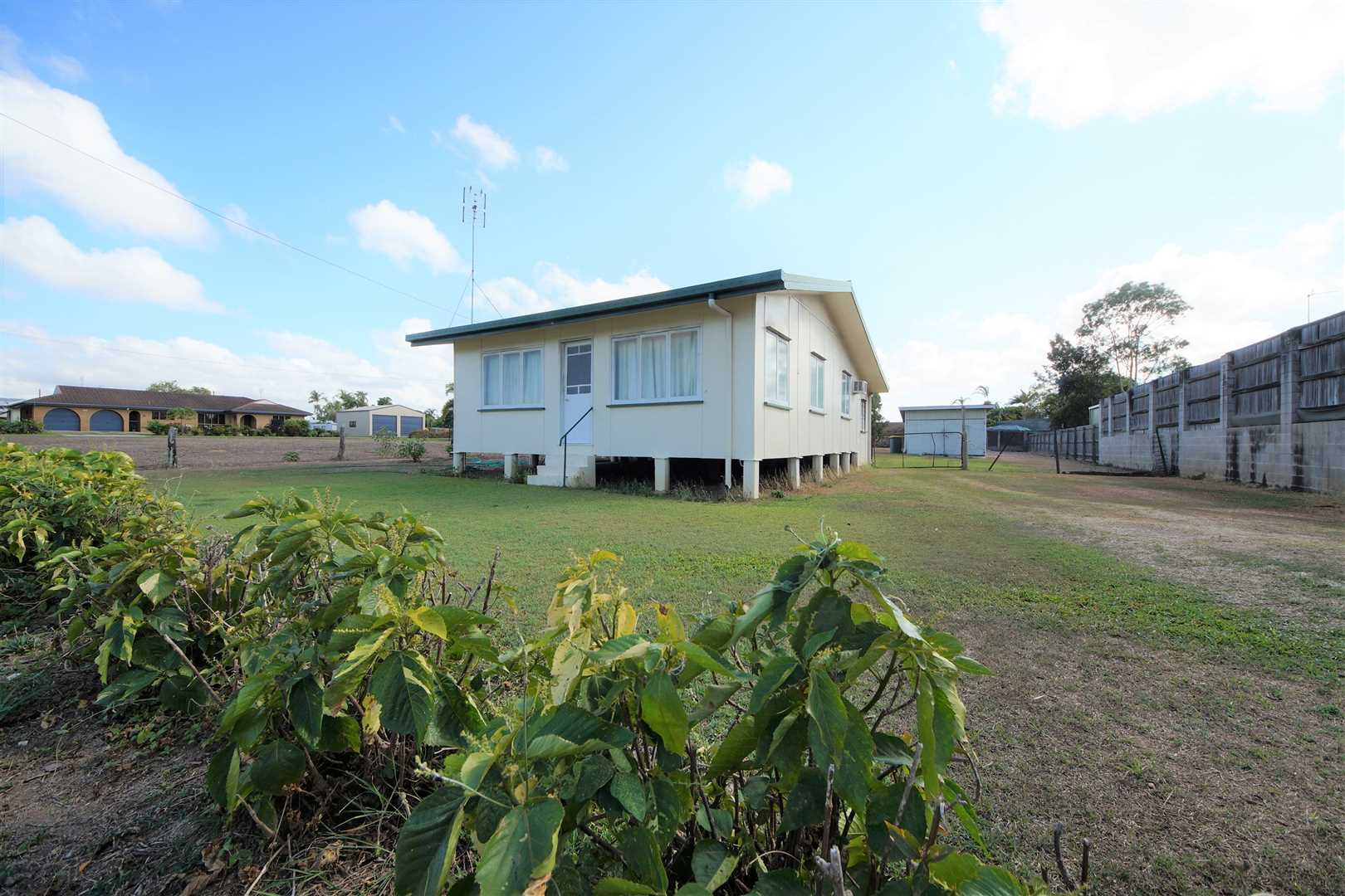 Renovate, Develop or Retire! Huge Block Next to Coles !