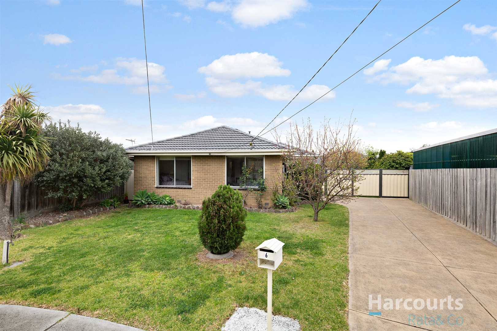 Superb Home in Court Location!