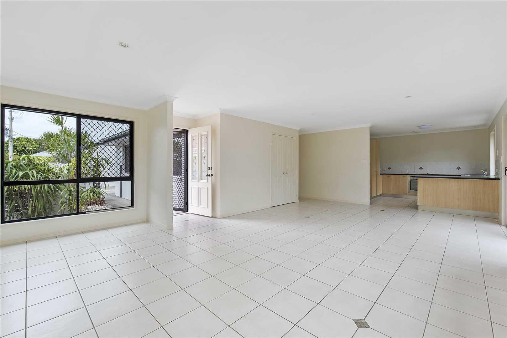 Huge Three Bedroom Duplex in the Heart of Caloundra