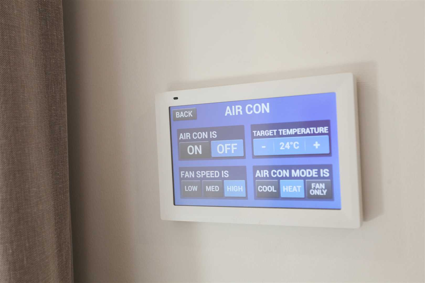 Top of the range Air Con Touchpad -