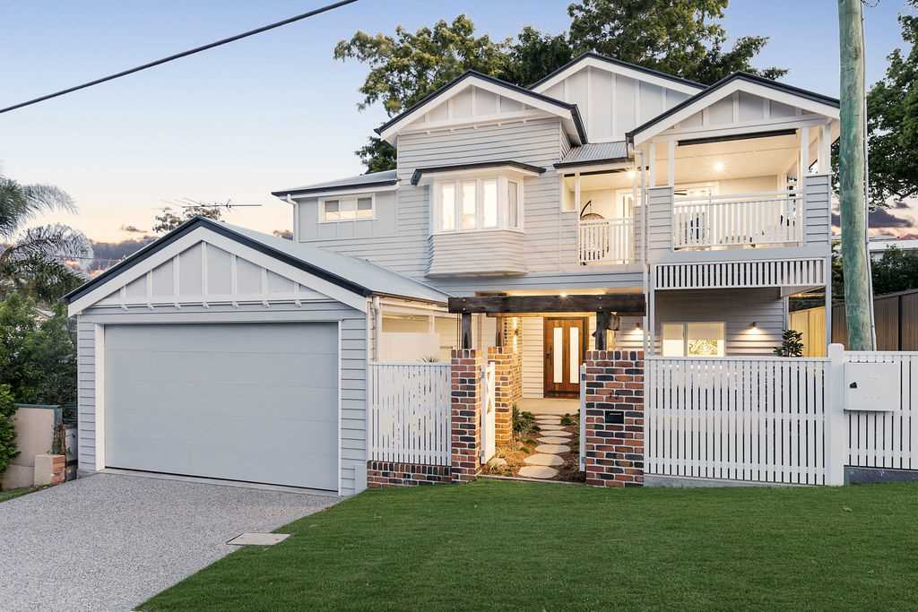 Bespoke Queenslander of Grand Proportions