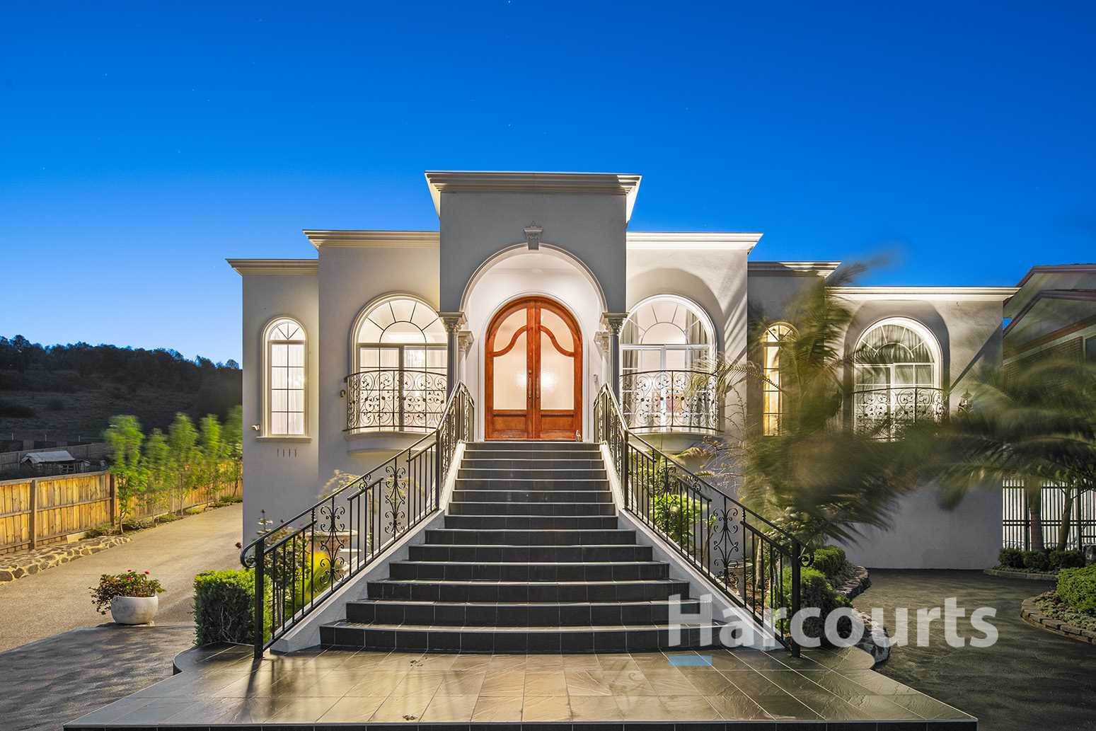 Style & Luxury in Waterstone Hill Estate on 1,775sqm