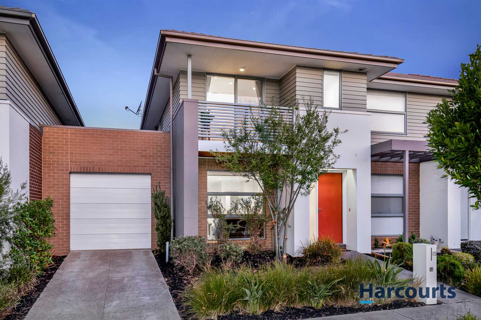 Sophisticated Style in the Waverley Park Estate