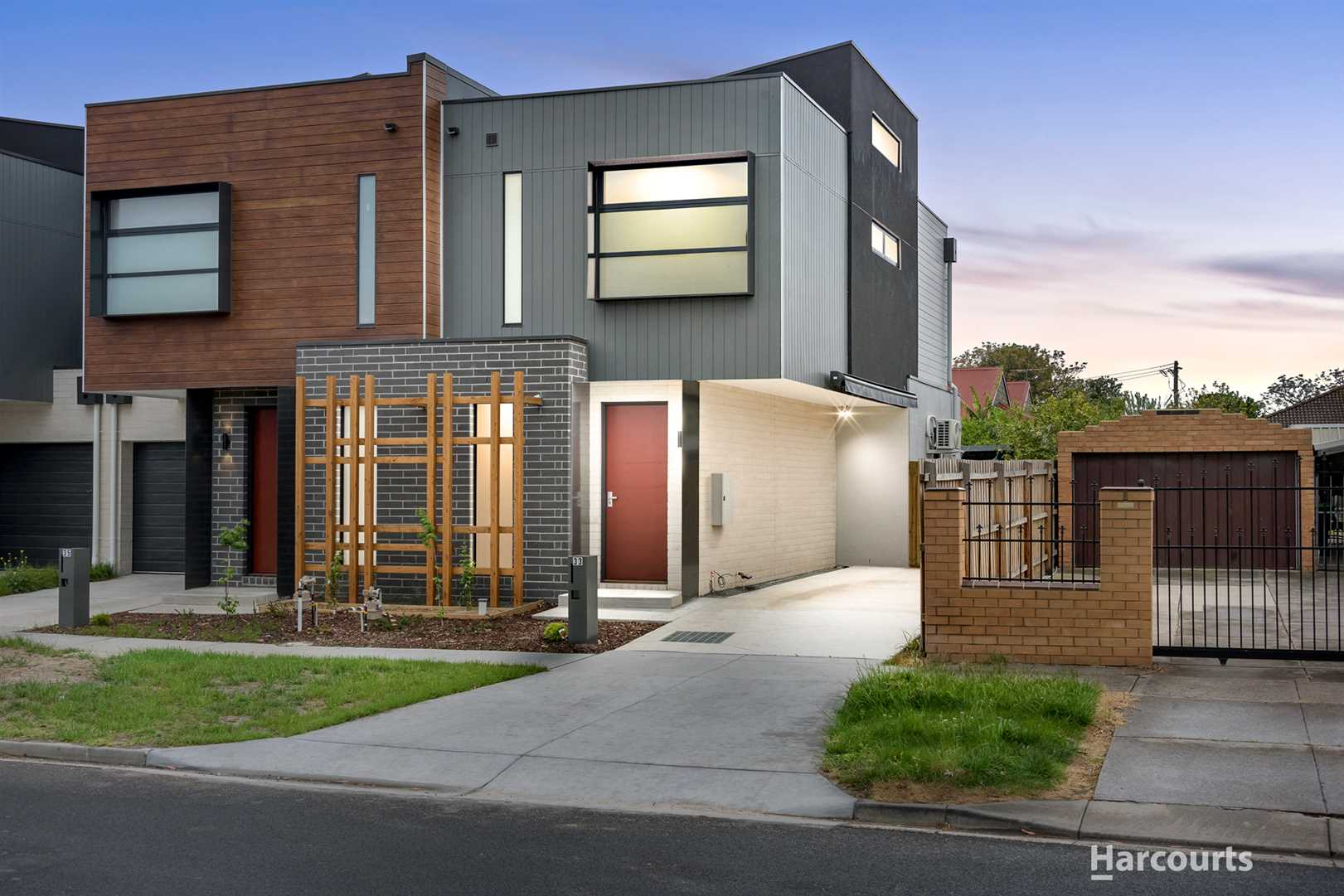 Brand New Townhouse, Perfect for Invest or Live in