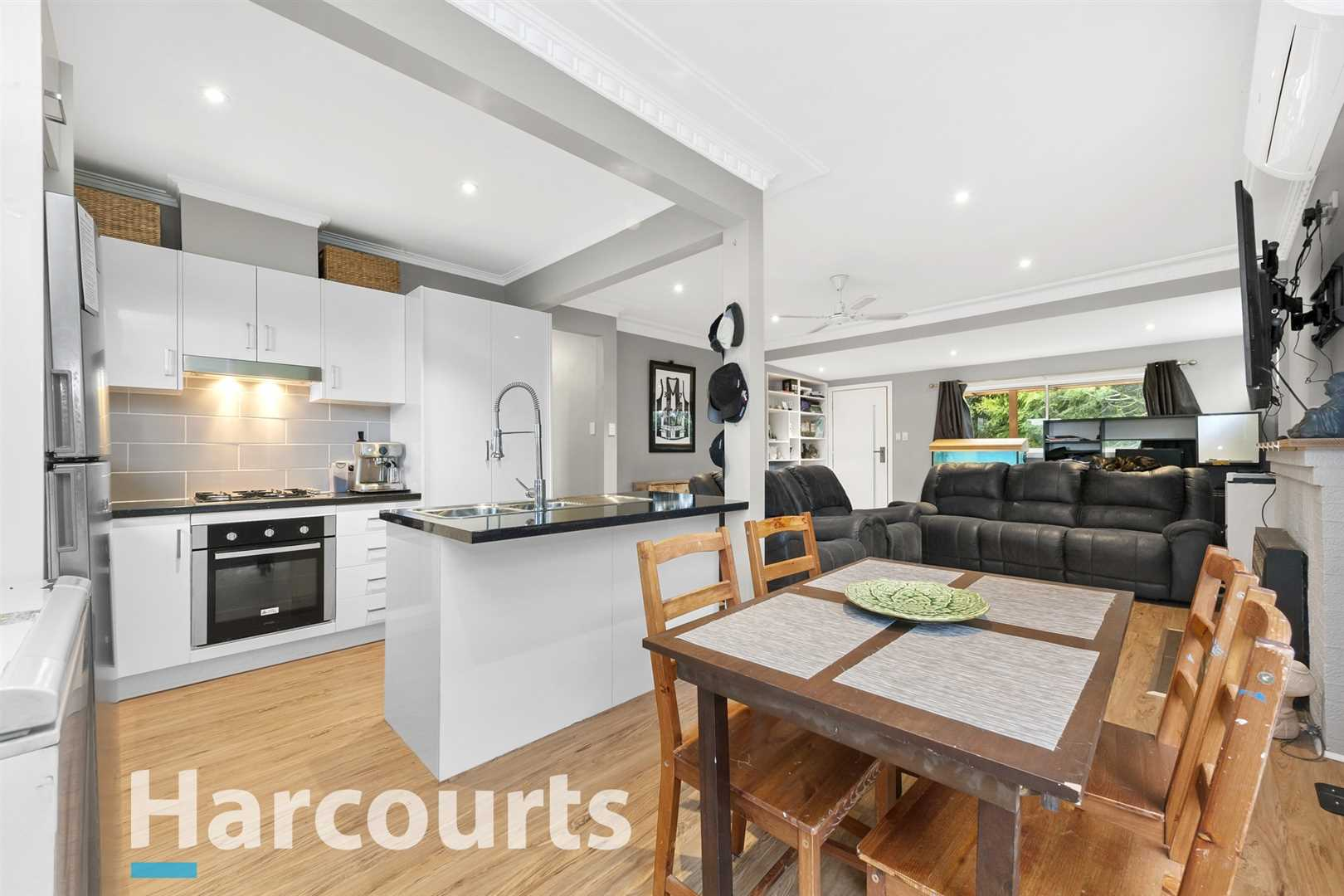 Close To Schools & Shops in Popular Mount Clear