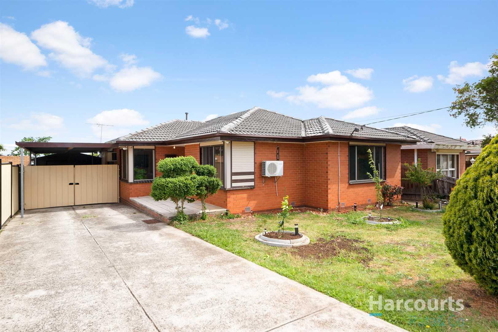 Renovated & Conveniently Located In Central Thomastown