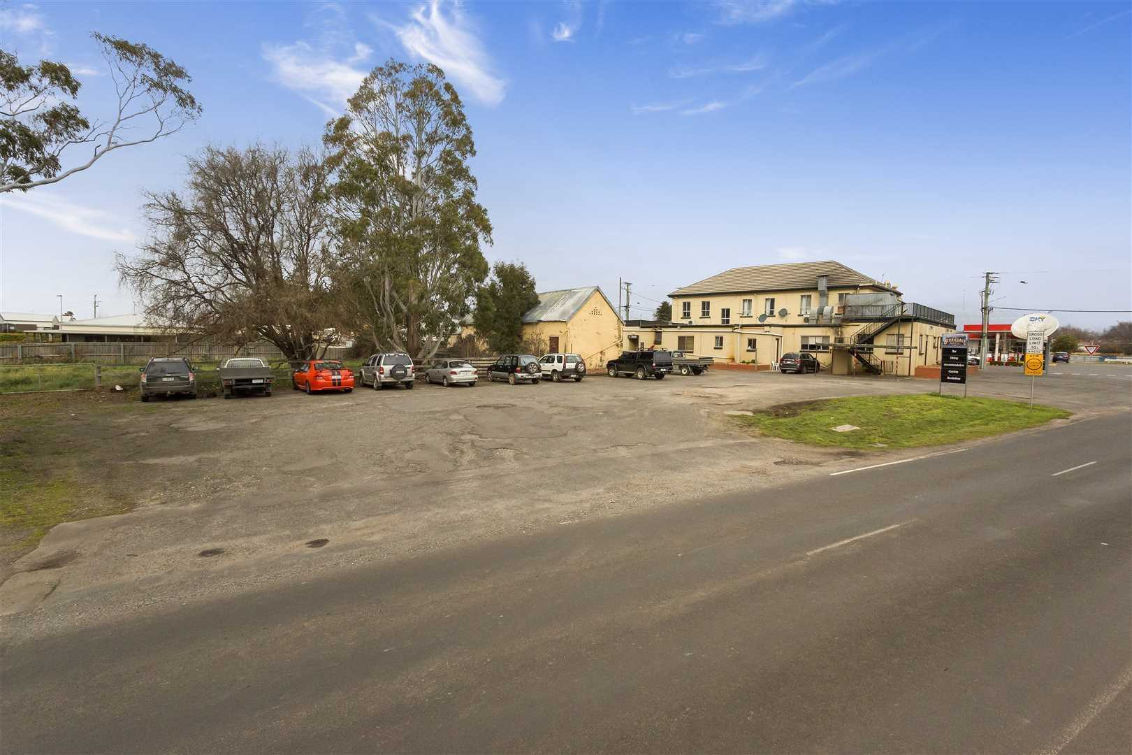 Freehold for Sale - Berriedale Hotel, Westbury TAS