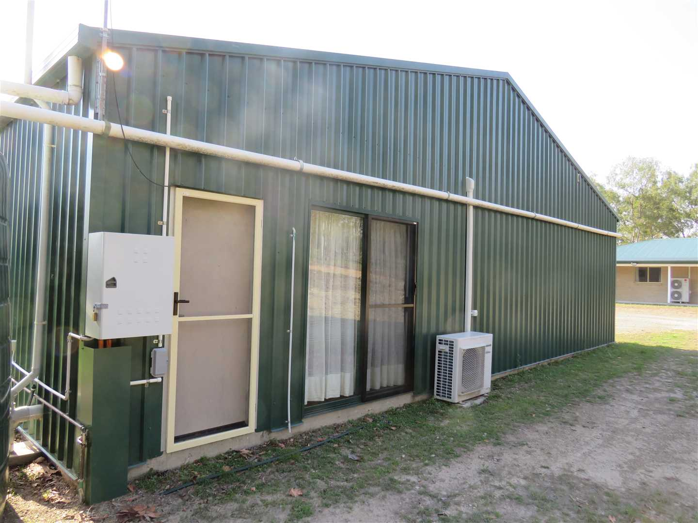 2 nd entrance to shed unit