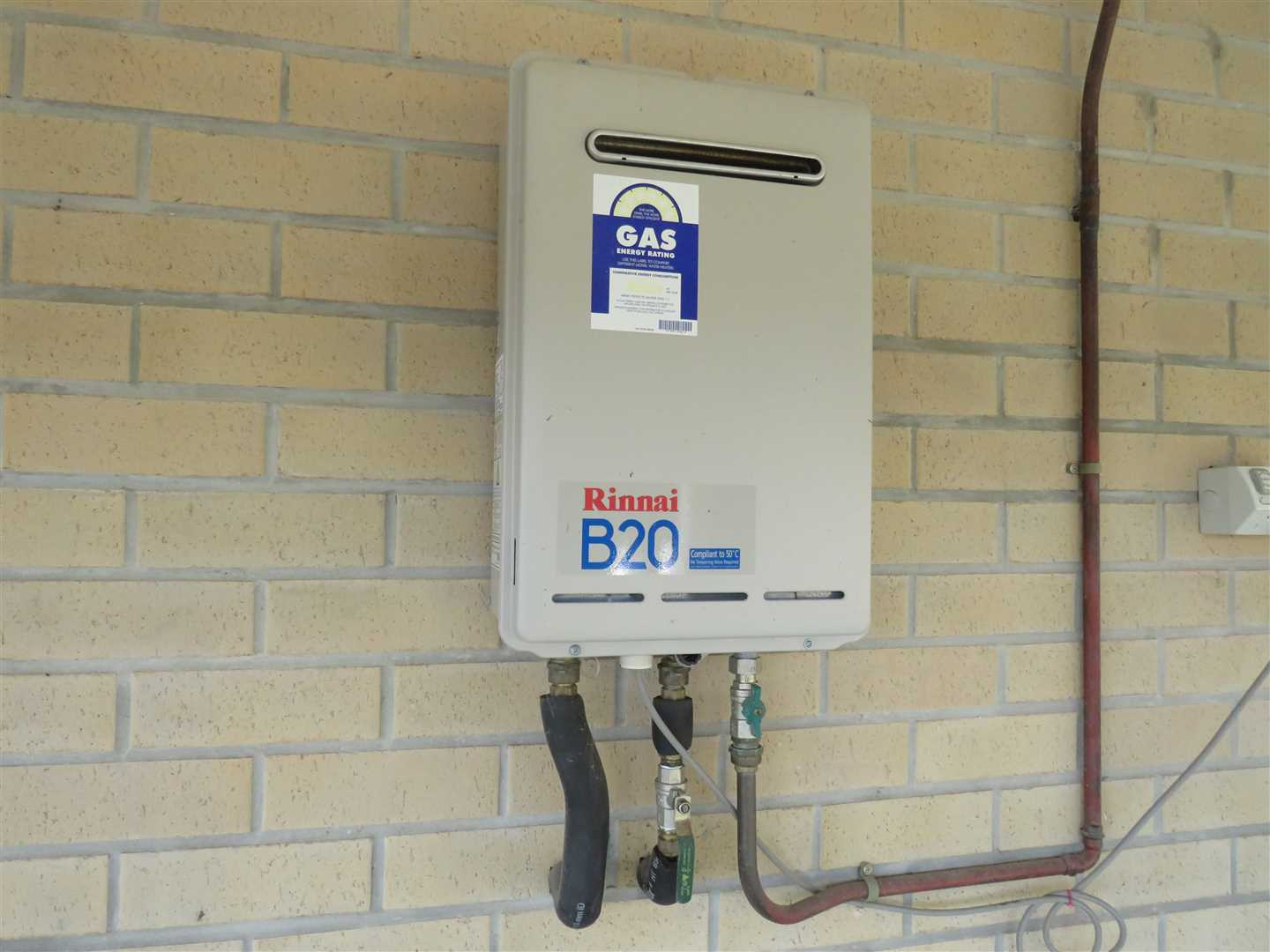 gas hotwater on house