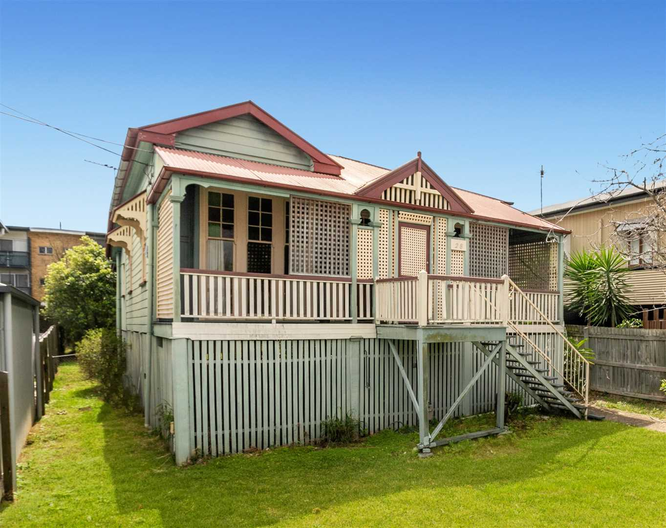 Wooloowin - Original Unique Queenslander in Prime Inner City