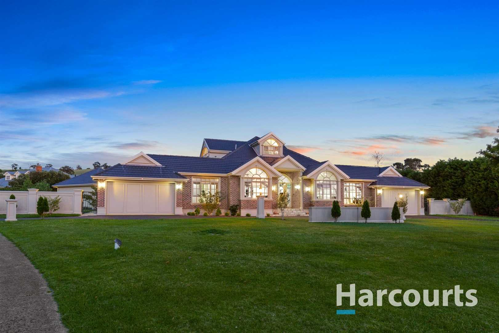 Architectural Masterpiece on 1.5 Acres