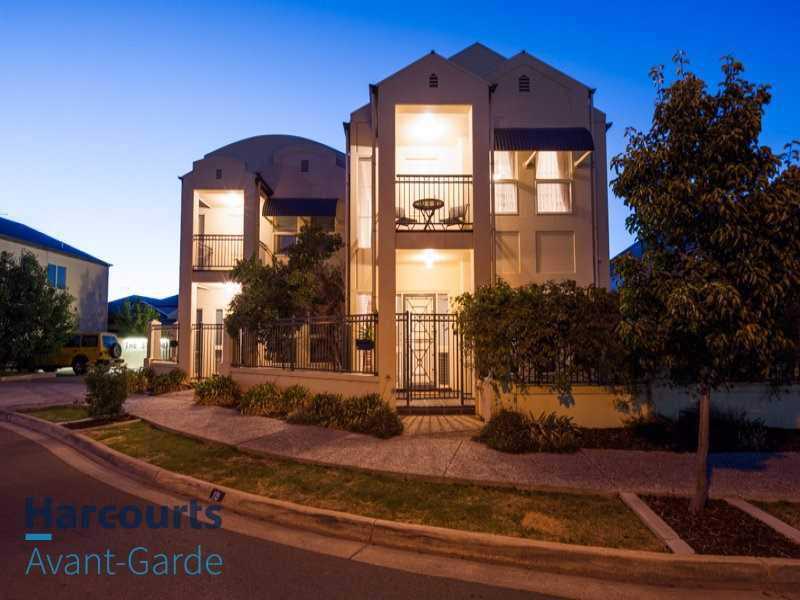 Modern Townhouse In Perfect Location