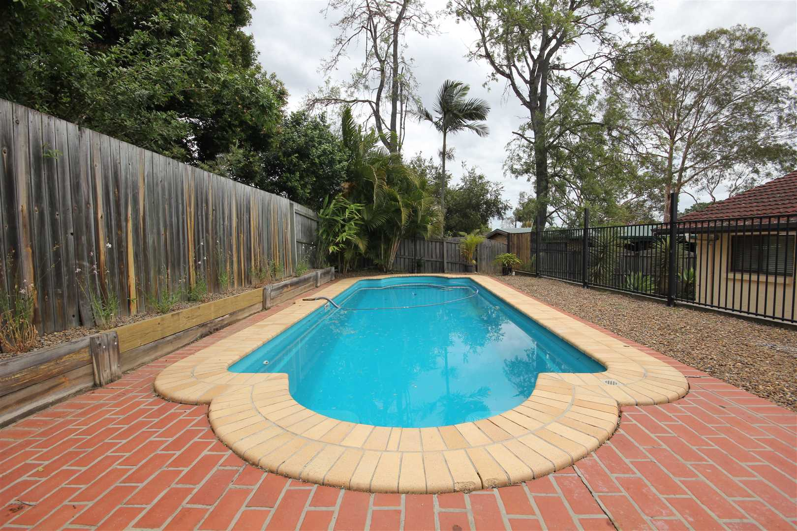 Family home with pool, just in time for Summer!