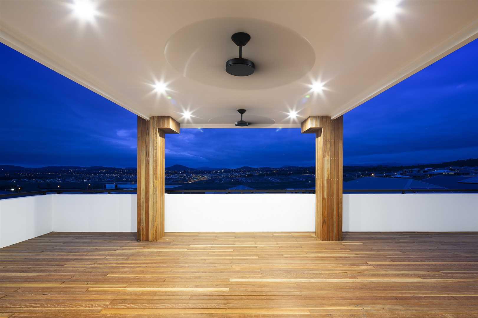 Stunning alfresco deck