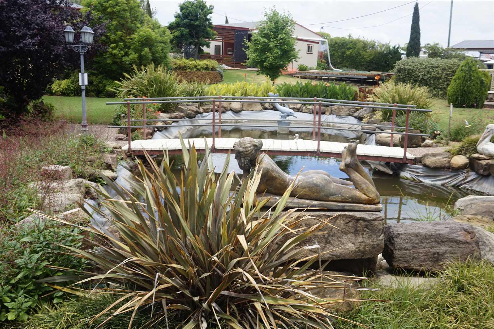Fish Pond 46-48 Raff