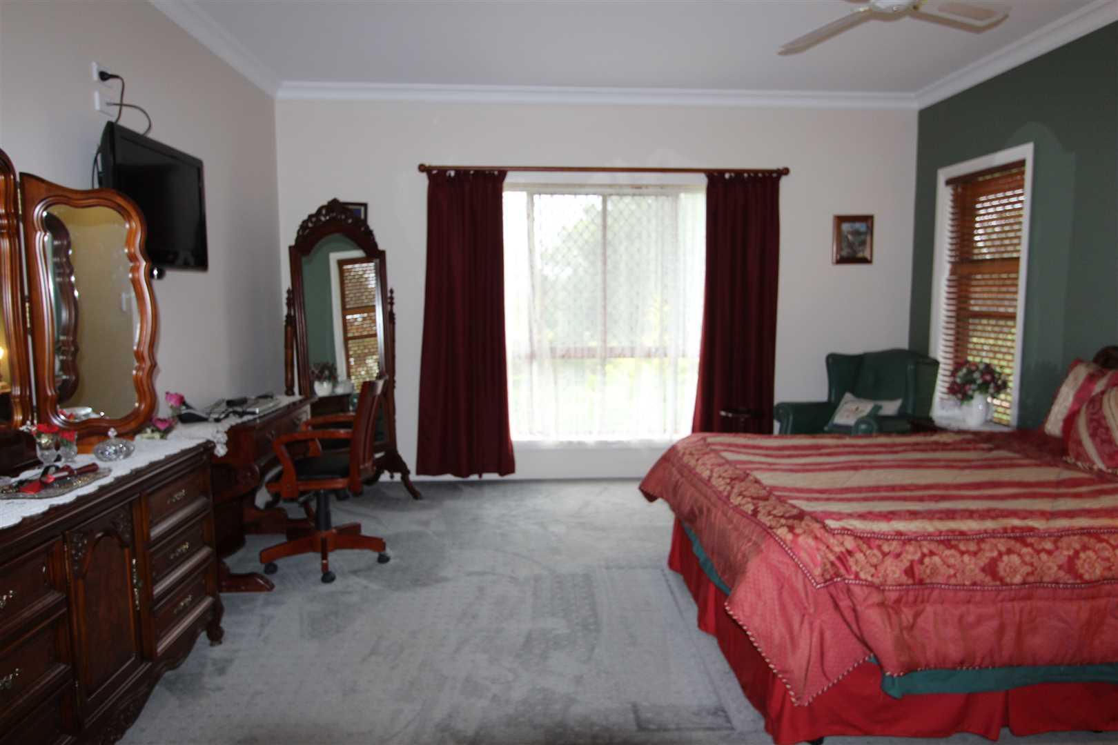 Main Bed 46-48 Raff