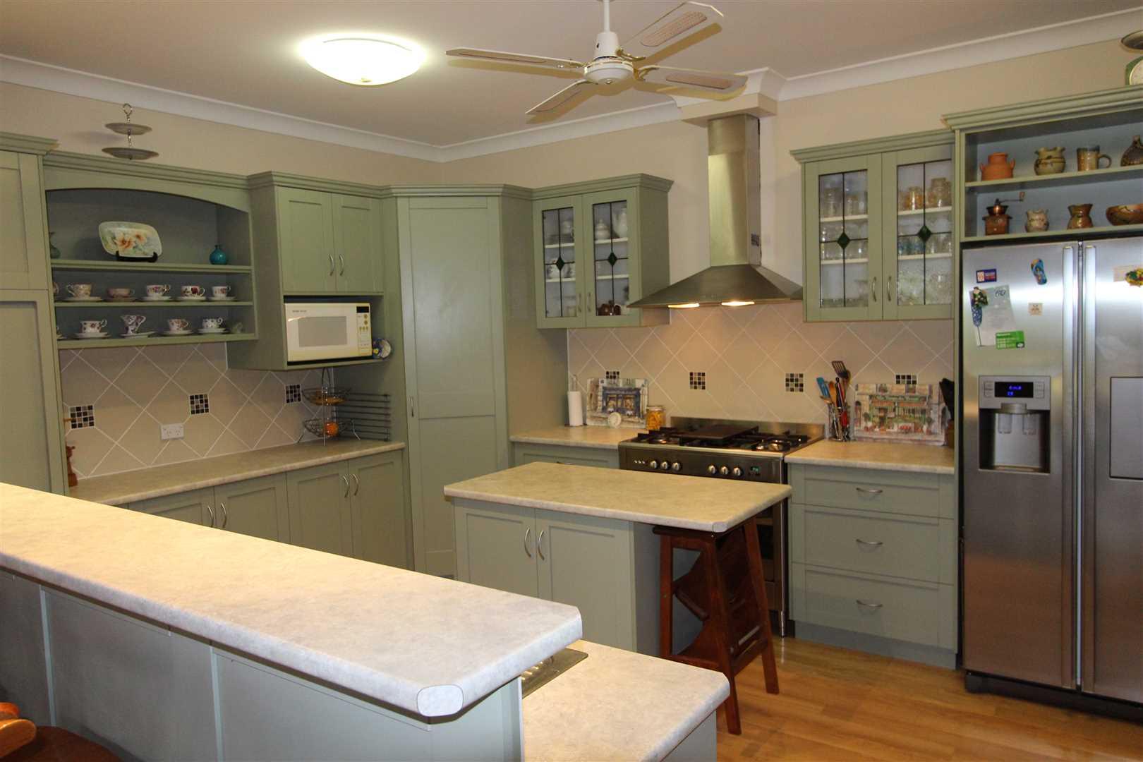 Kitchen 46-48 Raff