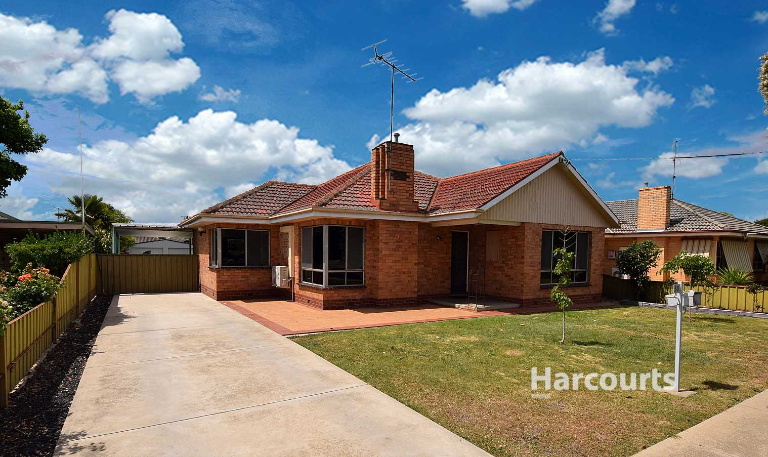 West End Family Home - 810M2