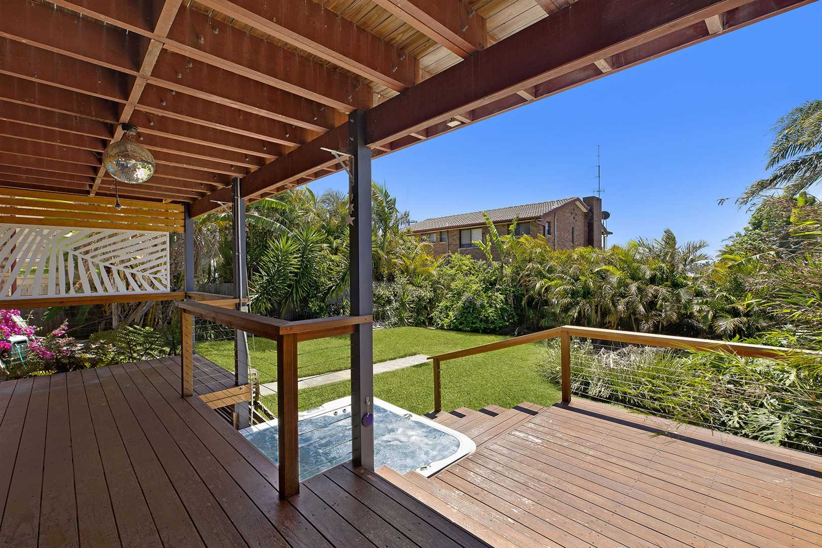 Covered Outdoor Entertaining & Spa