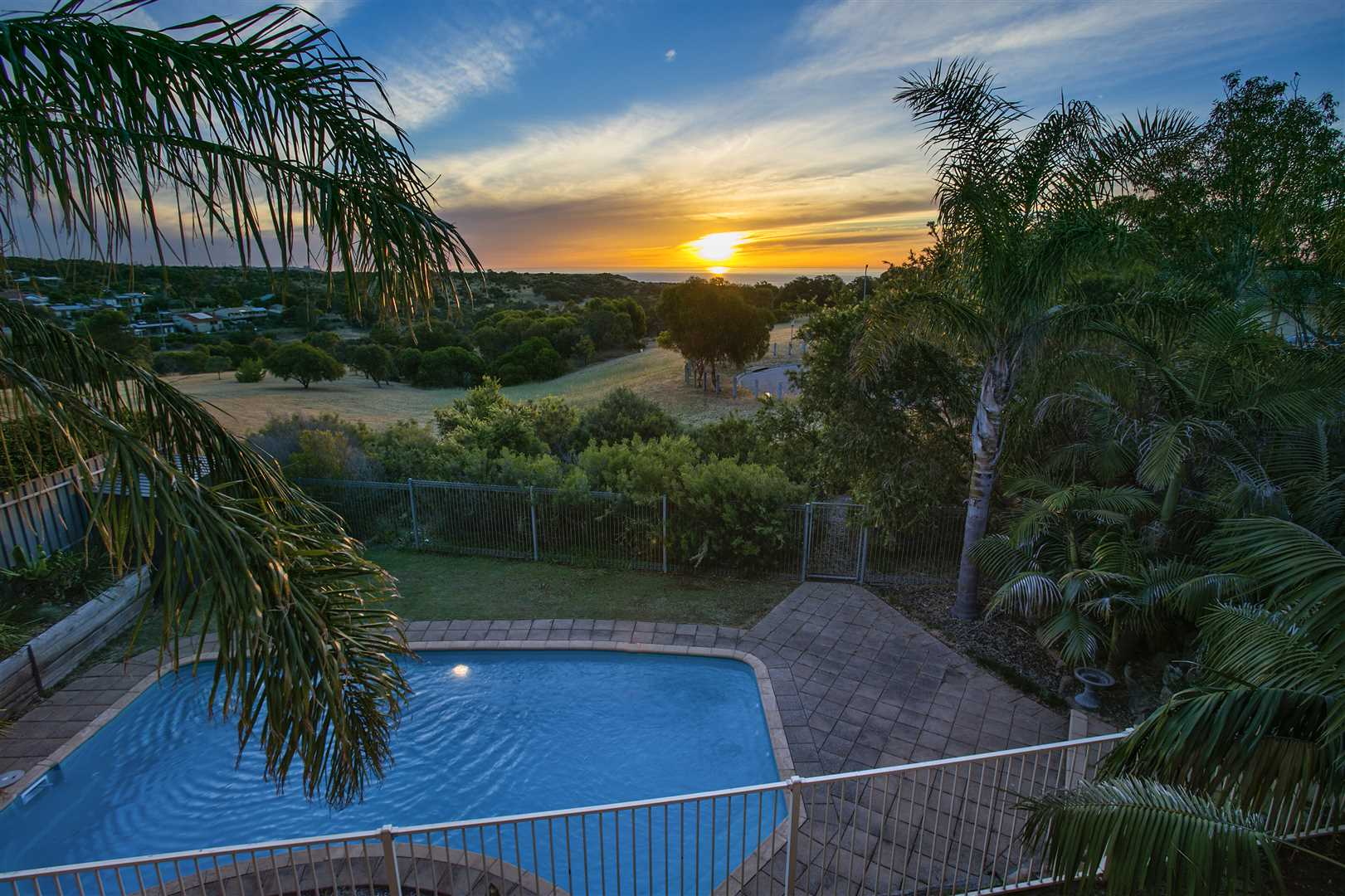 Straight from a story book! Views, pool & ideal family home!
