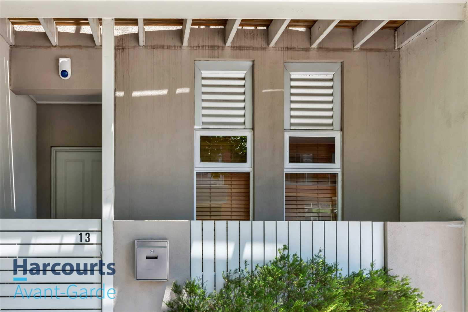 Townhouse Living in the Heart of Mawson Lakes